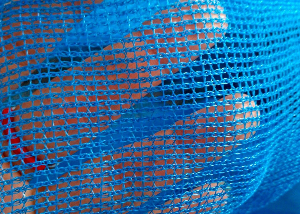 Jelly-proof-knotless-netting